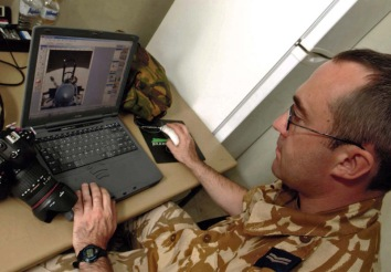Cpl Bailey RAF editing images Kuwait 2003