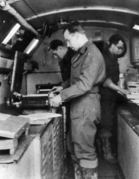 WW2 3MFPS hand printing J trailer