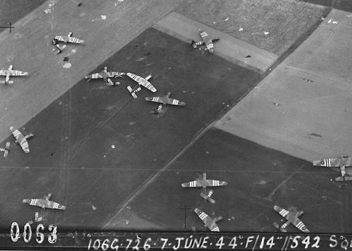 WW2 Normandy 542 Sqdn 7 Jun 44 Gliders landed