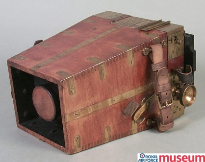 A RFC Type A aircraft camera, 1915. Aerial photography played a key role in gathering military intelligence and was used for artillery target spotting and infantry battle planning.